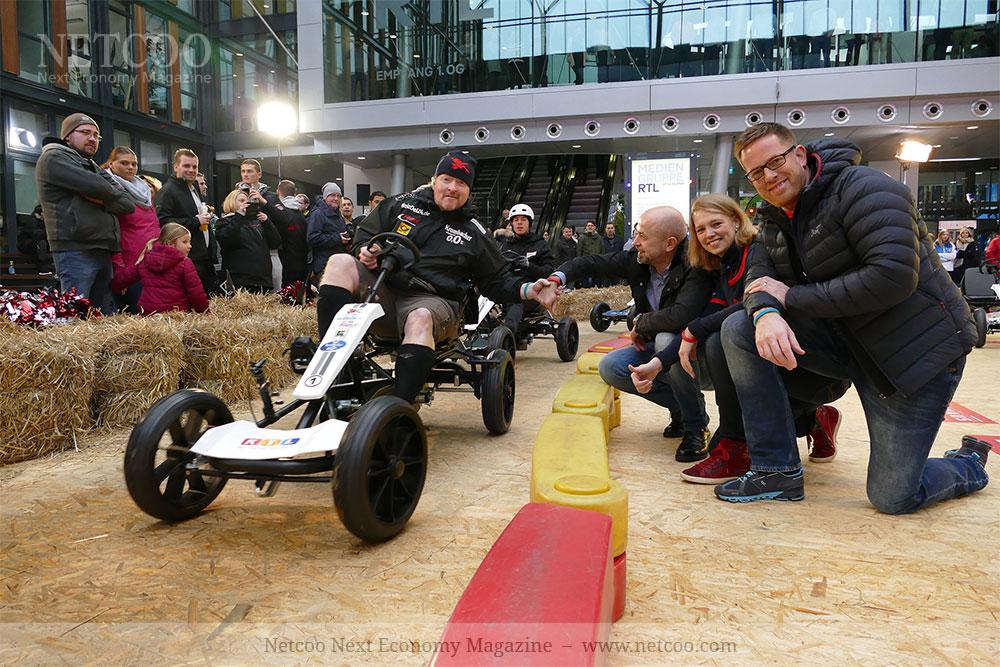 Joey Kelly und die Energetix Geschäftsleitung: Roland Förster, Jessica Schlick und Alexander Link (v.l.n.r.) in Aktion