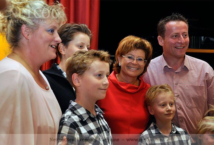 Top-Leader zum Anfassen - in rot Gabi Steiner
