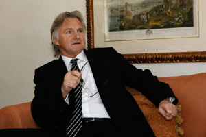 Ex. LR-Gründer Helmut Spikker